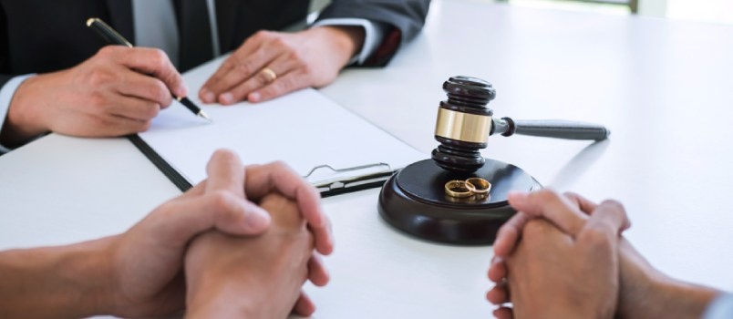 Picking out a Divorce Lawyer