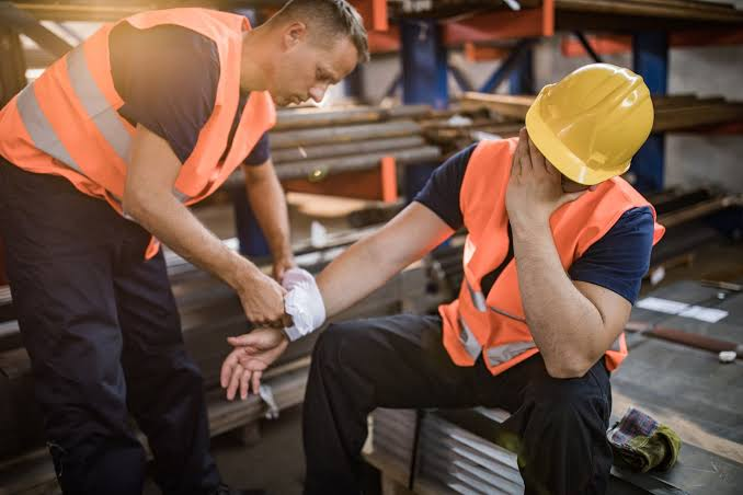 Here's Why You Need A Lawyer For Your Workplace Accident Case!